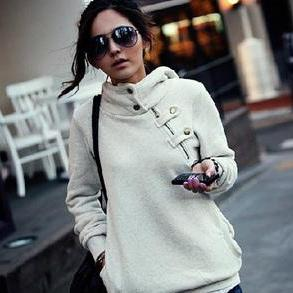LEISURE HOODED BIG YARDS SWEATER