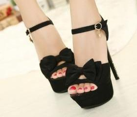 Bow hollow high-heel..