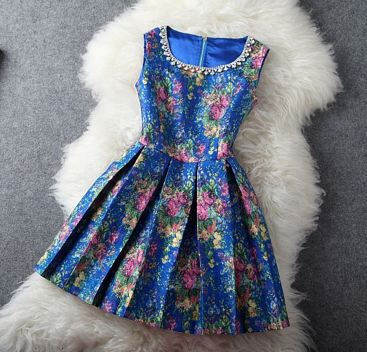 Elegant RetroDiamond Rose Printed Dress