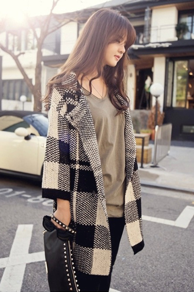 New Style Turndown Collar Long Sleeves Black Plaids Long Knitting Coat